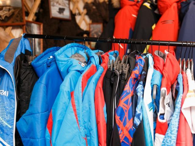 Минпромторг представил в СТК «Шерегеш» одежду для зимних видов спорта (86423-sheregesh-03.jpg)