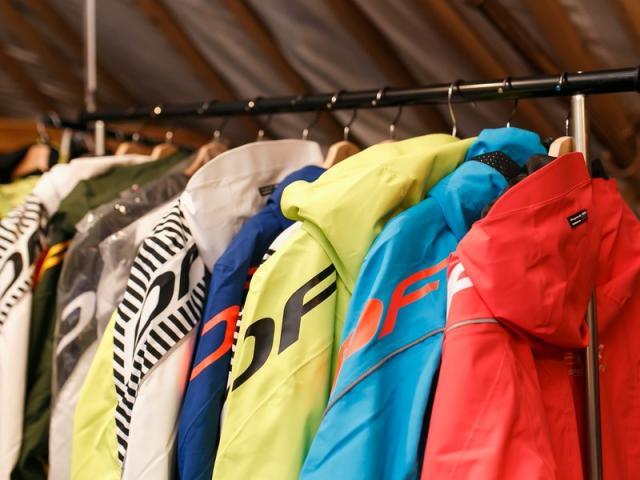 Минпромторг представил в СТК «Шерегеш» одежду для зимних видов спорта (86423-sheregesh-04.jpg)