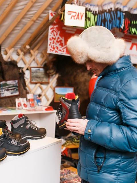 Минпромторг представил в СТК «Шерегеш» одежду для зимних видов спорта (86423-sheregesh-b.jpg)