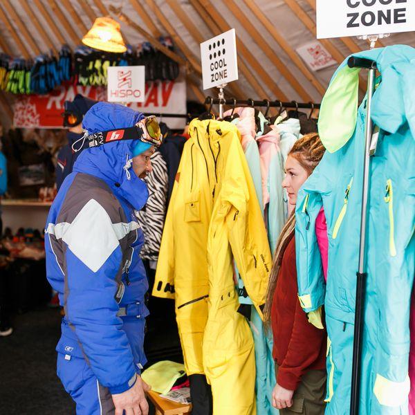Минпромторг представил в СТК «Шерегеш» одежду для зимних видов спорта (86423-sheregesh-s.jpg)