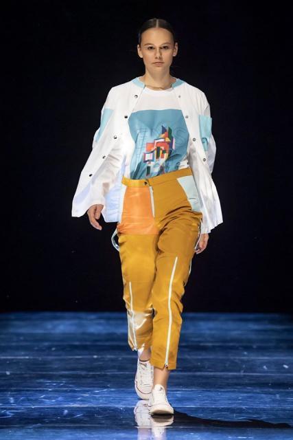 Kids&teens fashion forum на Russia.YOUth Fashion Week (86514-Kids-teens-fashion-forum-01.jpg)