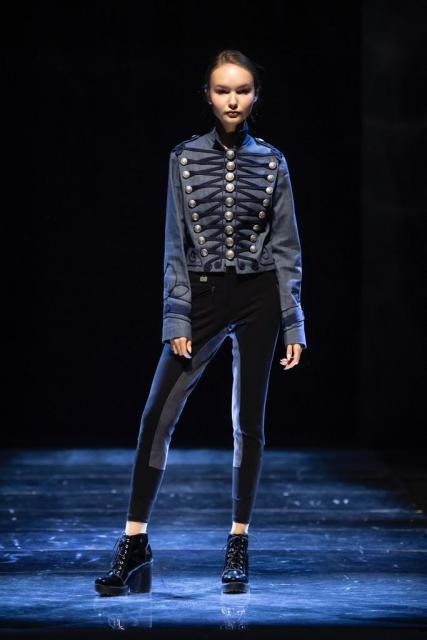 Kids&teens fashion forum на Russia.YOUth Fashion Week (86514-Kids-teens-fashion-forum-03.jpg)
