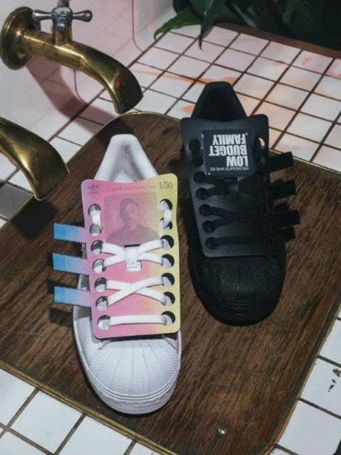 adidas///SIMACHEV: легендарные кроссовки в стиле известного дизайнера (86536-Superstar-Shop-Bar-Denis-Simachev-b.jpg)
