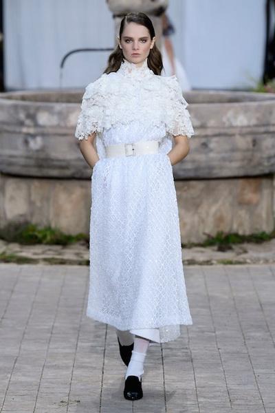 Chanel Haute Сouture весна-лето 2020 (86655-Chanel-Couture-SS-2020-10.jpg)