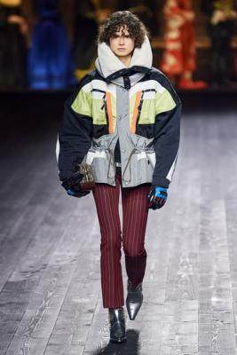 Louis Vuitton осень-зима 2020  (87128-Louis-Vuitton-AW-2020-01.jpg)