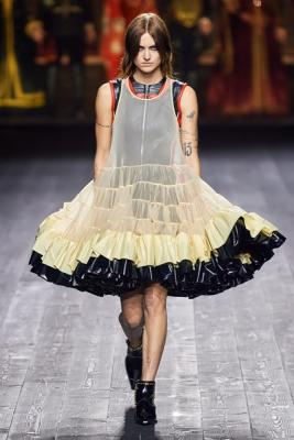 Louis Vuitton осень-зима 2020  (87128-Louis-Vuitton-AW-2020-03.jpg)