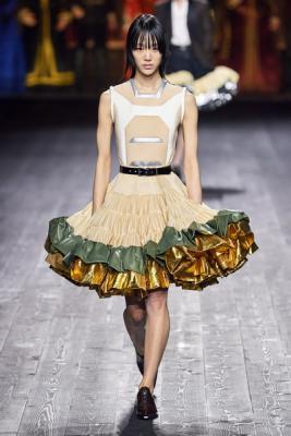 Louis Vuitton осень-зима 2020  (87128-Louis-Vuitton-AW-2020-04.jpg)