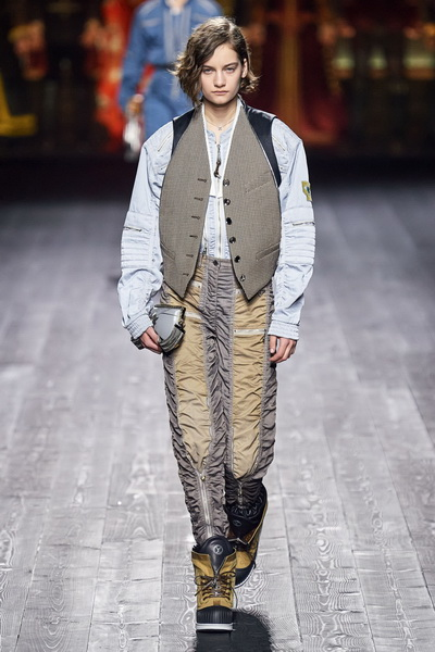 Louis Vuitton осень-зима 2020  (87128-Louis-Vuitton-AW-2020-12.jpg)