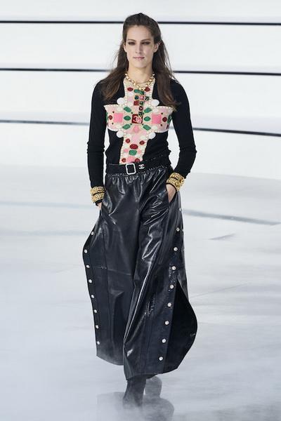 Chanel осень-зима 2020 (87311-Chanel-AW-2020-09.jpg)