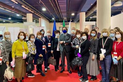 Франческо Пенсабене (в центре) и делегация баеров на выставке «Обувь. Мир кожи» в октябре 2020 года