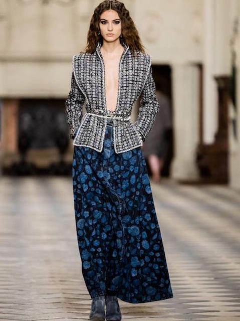Chanel Metiers dArt 2020-21 (90668-Chanel-Metiers-Art-2021-09.jpg)
