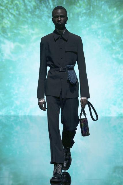 Dior Men Pre-Fall 2021  (90750-Dior-Men-Pre-Fall-2021-11.jpg)