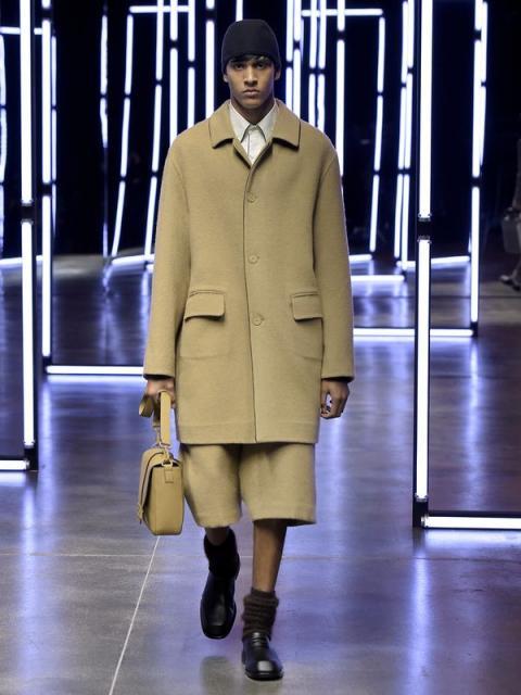 Fendi Menswear осень-зима 2021 (91062-Fendi-Menswear-FW-2021-02.jpg)