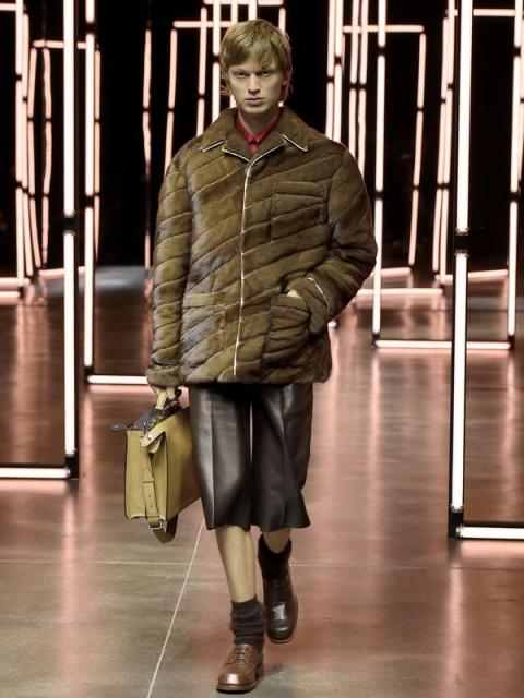 Fendi Menswear осень-зима 2021 (91062-Fendi-Menswear-FW-2021-06.jpg)