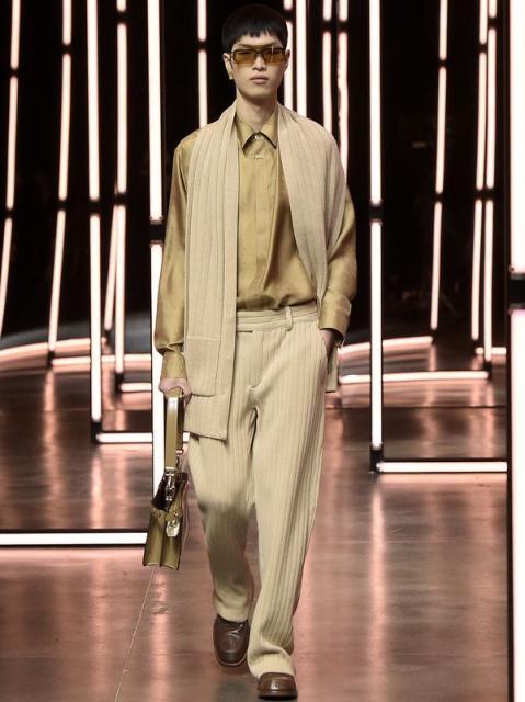 Fendi Menswear осень-зима 2021 (91062-Fendi-Menswear-FW-2021-07.jpg)