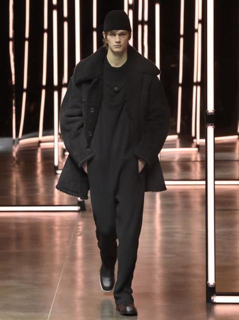 Fendi Menswear осень-зима 2021 (91062-Fendi-Menswear-FW-2021-09.jpg)