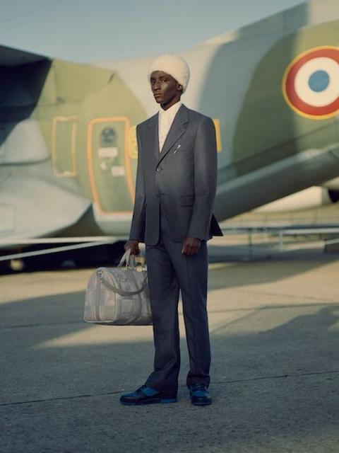 Louis Vuitton Menswear Pre-Fall 2021 (91130-Louis-Vuitton-Menswear-Pre-Fall-2021-01.jpg)