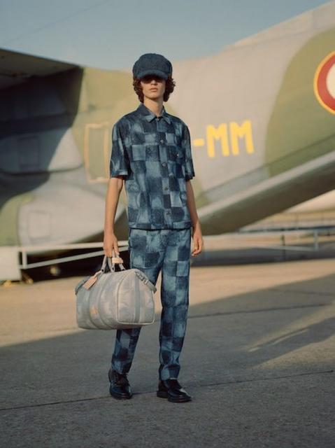 Louis Vuitton Menswear Pre-Fall 2021 (91130-Louis-Vuitton-Menswear-Pre-Fall-2021-03.jpg)