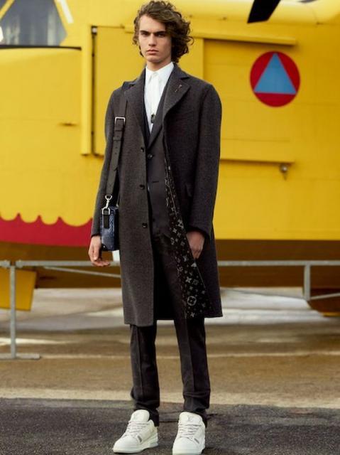 Louis Vuitton Menswear Pre-Fall 2021 (91130-Louis-Vuitton-Menswear-Pre-Fall-2021-04.jpg)