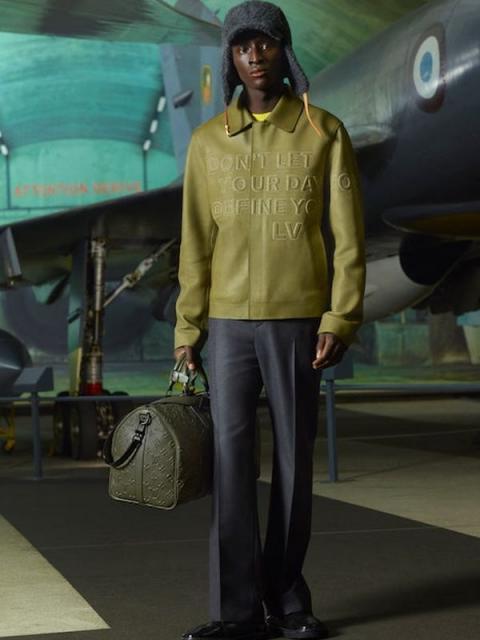 Louis Vuitton Menswear Pre-Fall 2021 (91130-Louis-Vuitton-Menswear-Pre-Fall-2021-07.jpg)