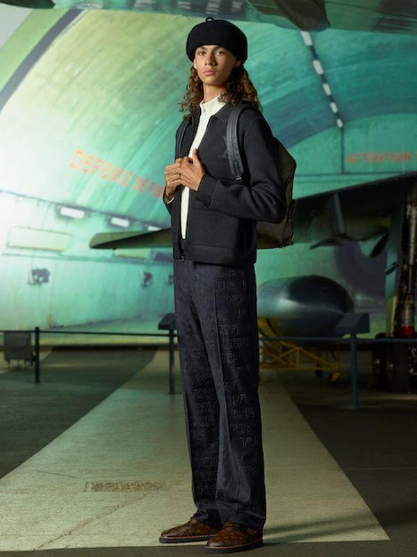 Louis Vuitton Menswear Pre-Fall 2021 (91130-Louis-Vuitton-Menswear-Pre-Fall-2021-12.jpg)