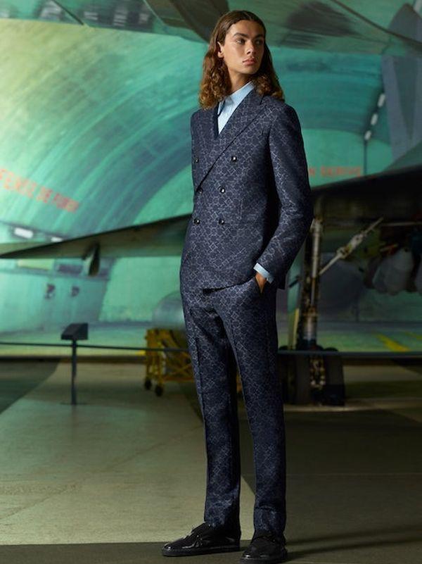 Louis Vuitton Menswear Pre-Fall 2021 (91130-Louis-Vuitton-Menswear-Pre-Fall-2021-14.jpg)