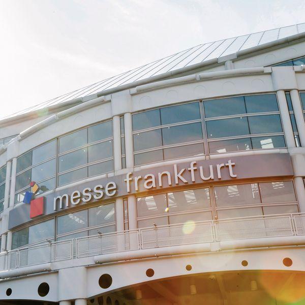 Выставки Heimtextil, Techtextil и Texprocess во Франкфурте-на-Майне перенесены на 2022 год (91176-messe-frankfurt-s.jpg)