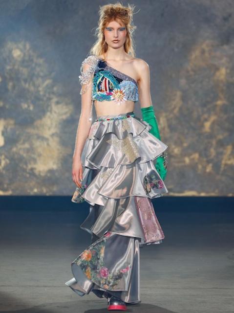 Viktor & Rolf Couture весна-лето 2021 (91225-Viktor-Rolf-Couture-2021-02.jpg)