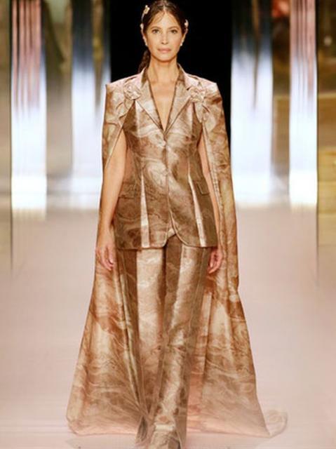 Fendi Couture весна-лето 2021 (91284-Fendi-Couture-SS-2021-02.jpg)