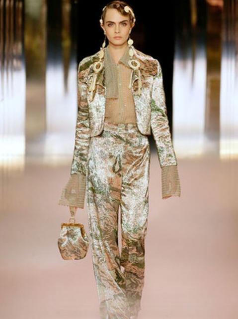 Fendi Couture весна-лето 2021 (91284-Fendi-Couture-SS-2021-06.jpg)