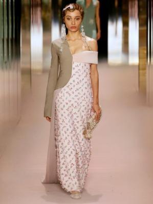 Fendi Couture весна-лето 2021 (91284-Fendi-Couture-SS-2021-08.jpg)