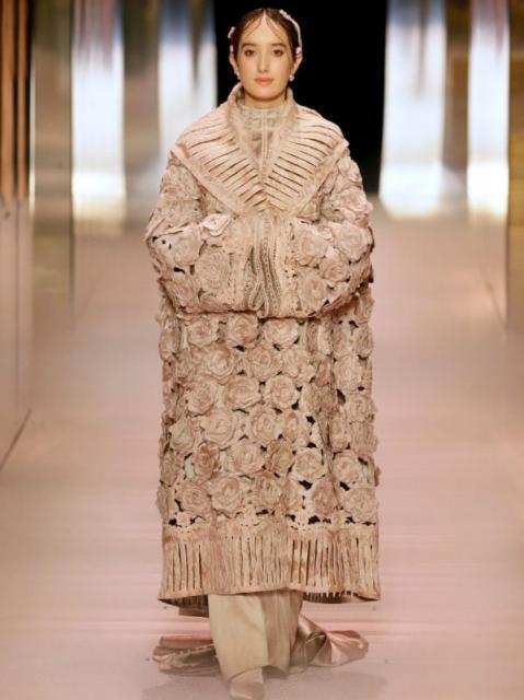 Fendi Couture весна-лето 2021 (91284-Fendi-Couture-SS-2021-10.jpg)