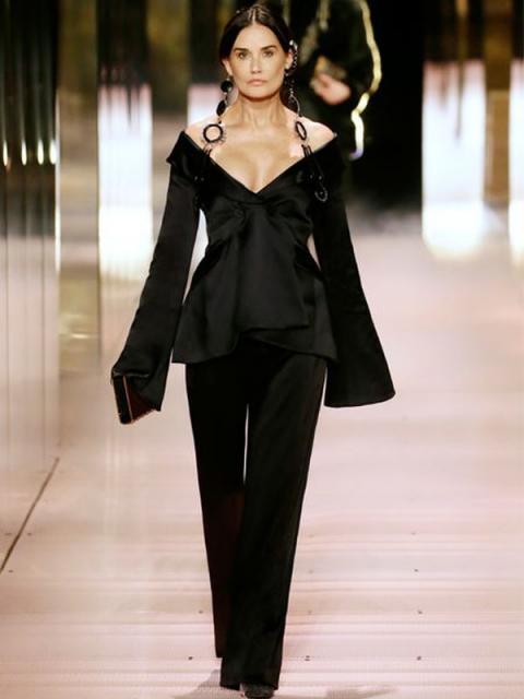 Fendi Couture весна-лето 2021 (91284-Fendi-Couture-SS-2021-b.jpg)