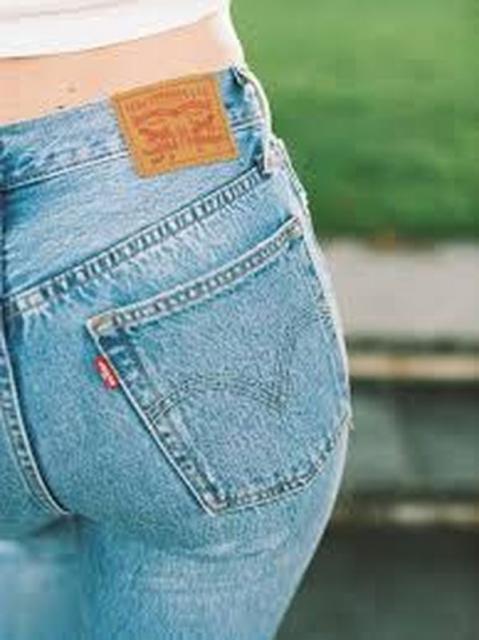 Levis представил новые женские джинсы и шорты (91354-Levis-Jenskaya-Kollekciya-Loose-Fit-b.jpg)