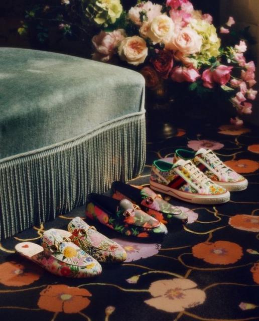 Новая коллекция Gucci в цветочных узорах (91392-Gucci-Cwetochnaya-Kollekciya-2021-04.jpg)
