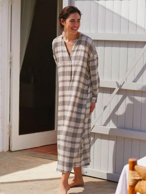 Новая капсульная коллекция купальников и одежды для пляжа Oysho (91842-Oysho-Kollekciya-Kupalnikov-2021-05.jpg)