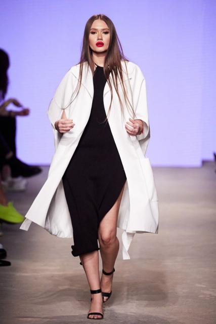 Lena Karnauhova на Mercedes-Benz Fashion Week Russia (92398-Lena-Karnauhova-Na-MBFW-2021-05.jpg)
