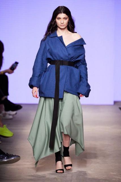 Lena Karnauhova на Mercedes-Benz Fashion Week Russia (92398-Lena-Karnauhova-Na-MBFW-2021-07.jpg)