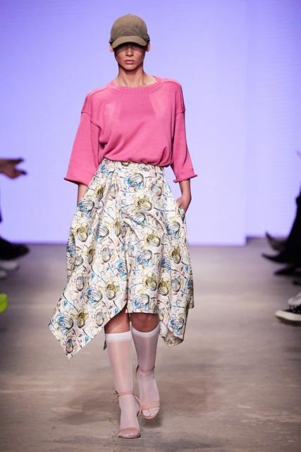 Lena Karnauhova на Mercedes-Benz Fashion Week Russia (92398-Lena-Karnauhova-Na-MBFW-2021-b.jpg)