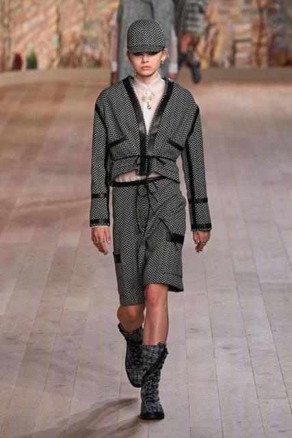 Dior Couture осень-зима 2021/22 (92947-dior-couture-fw-2022-04.jpg)