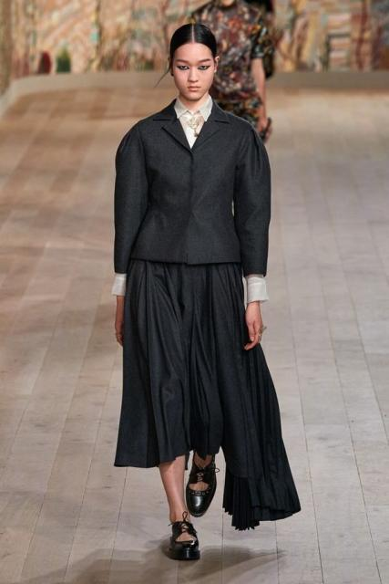 Dior Couture осень-зима 2021/22 (92947-dior-couture-fw-2022-10.jpg)