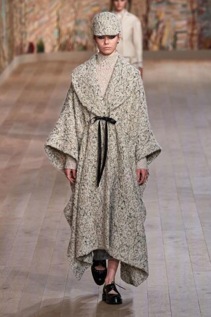 Dior Couture осень-зима 2021/22 (92947-dior-couture-fw-2022-b.jpg)