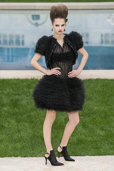 Chanel Couture весна-лето 2019 (v83011-Chanel-Haute-Couture-2019-b.jpg)